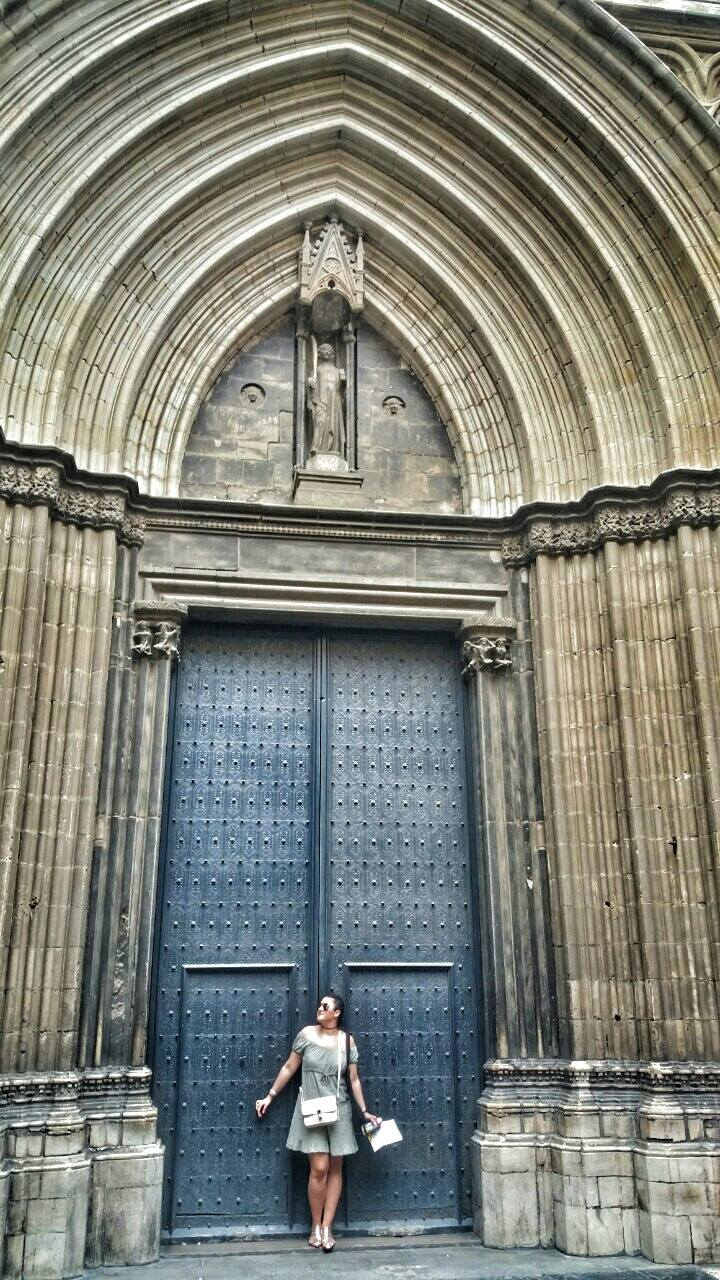 gothic-quart-interesting-door