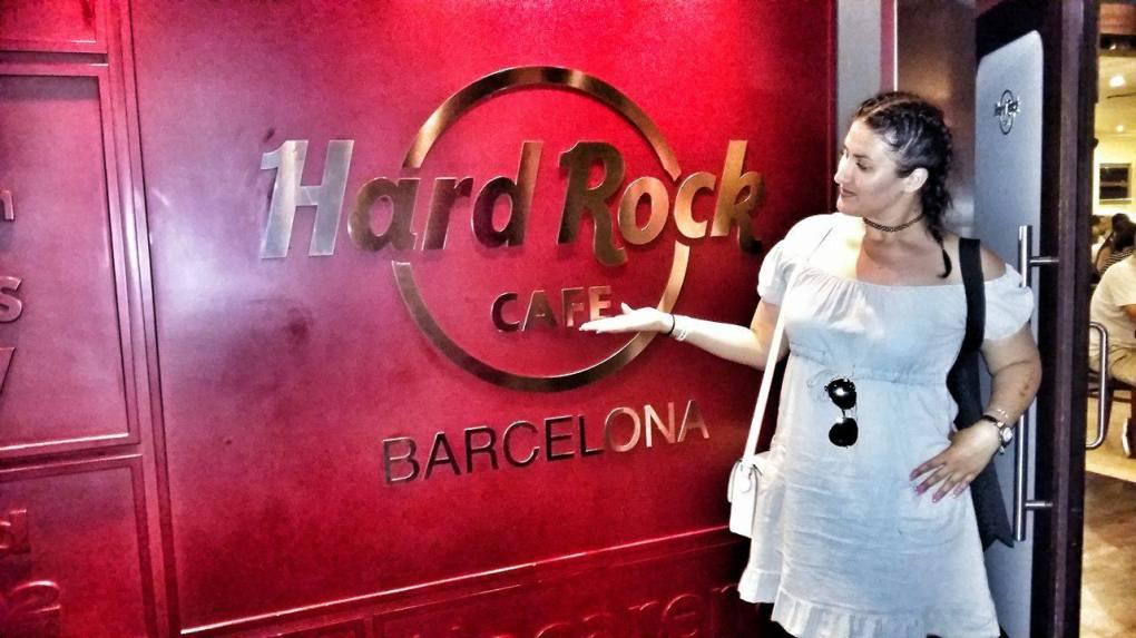hardrockcafe-barcelona-interior-logo