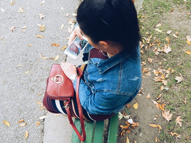 from-above-picture-red-zaful-bag-2