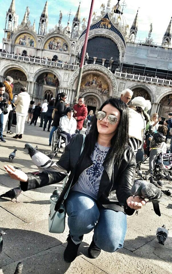 me-zorica-and-the-pigeons-at-st-marks-square