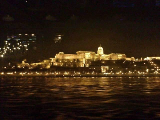 buda_castle_bynight