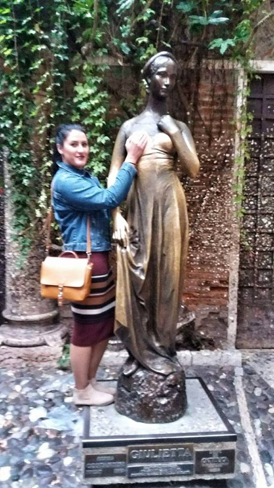 juliets_statue_in_juliet_haouse_in_verona