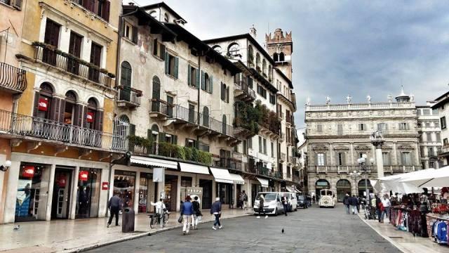piazza_ebre