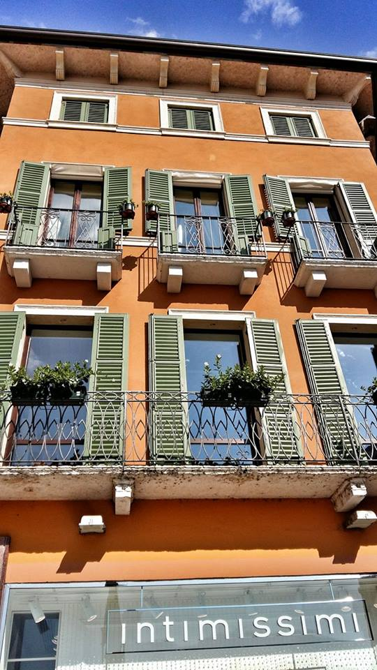 typical_italian_house_in_verona