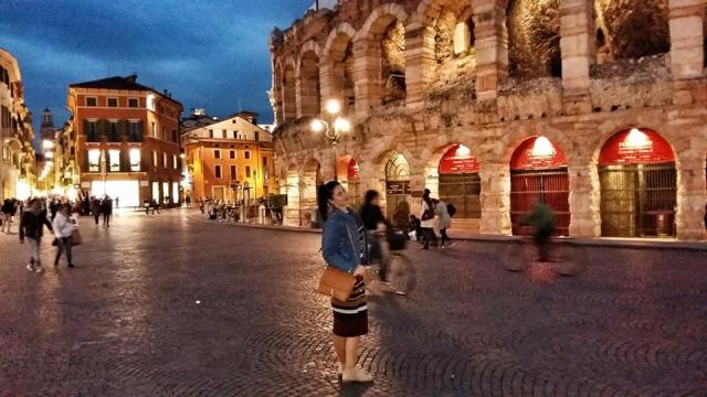 verona_arena_by_night_piazza_bra