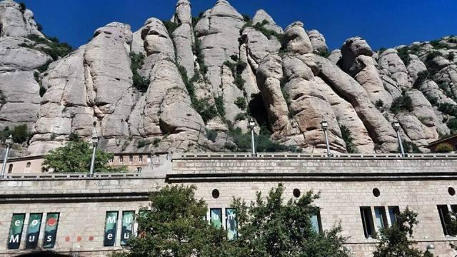 Rocky_Montserrat_mountains