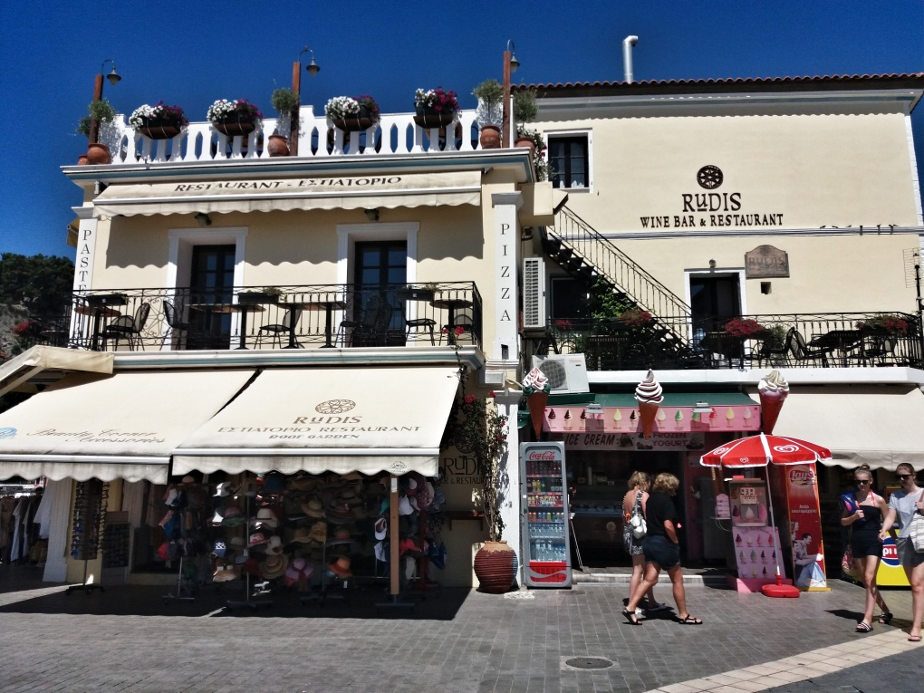 Restaurant_in_Parga