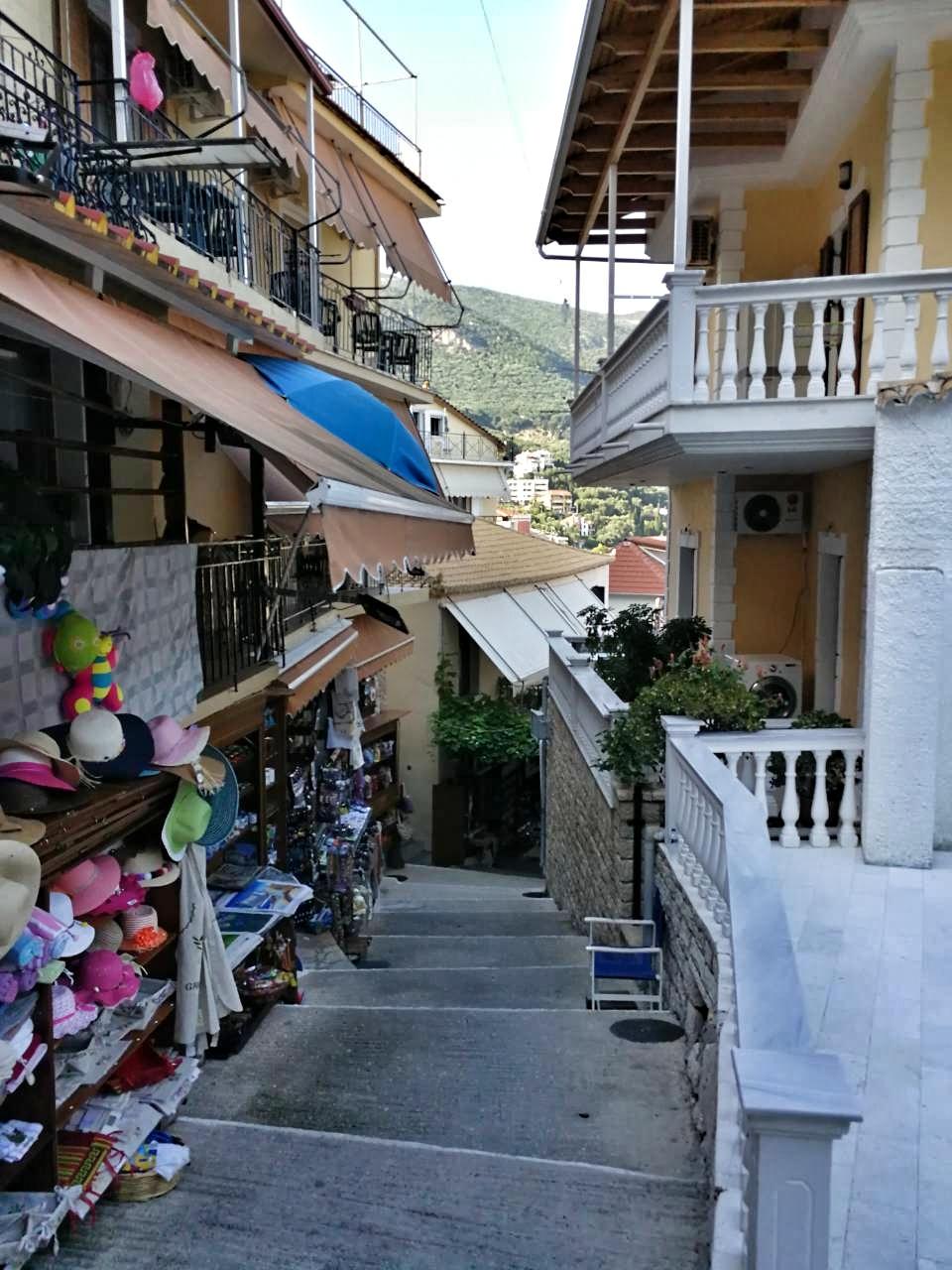 tiny_streets_Parga_2017