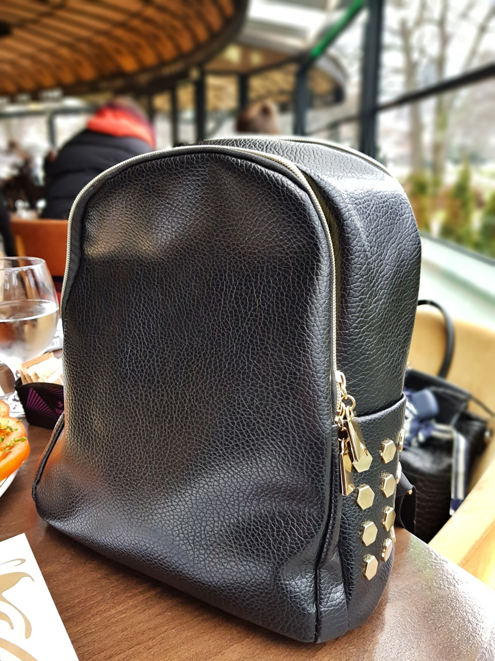 Black_backpack_dresslily