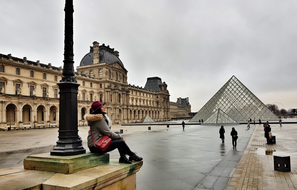 louvre_paris_gray_skay