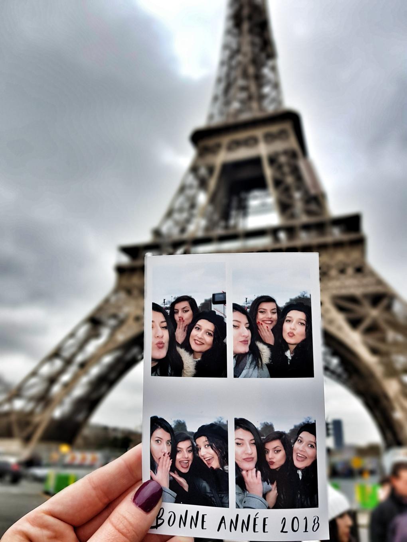 machine_photo_eiffel_tower