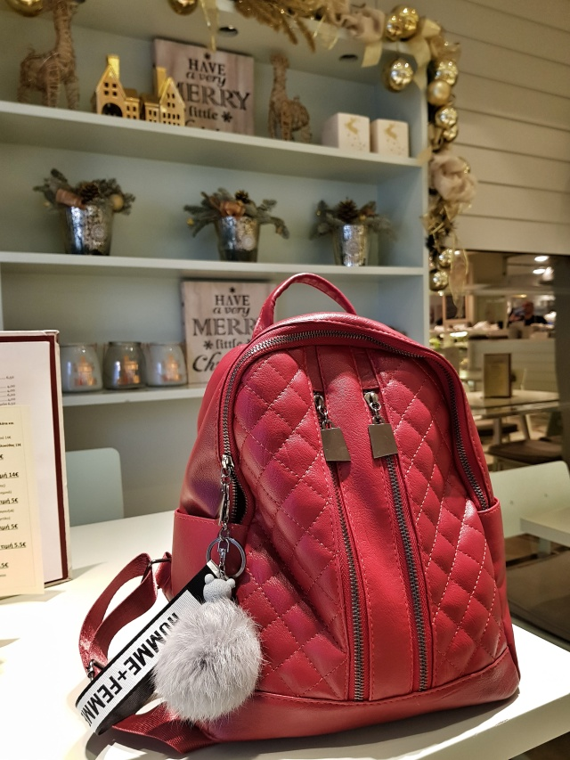 red_backpack_rosegal_review