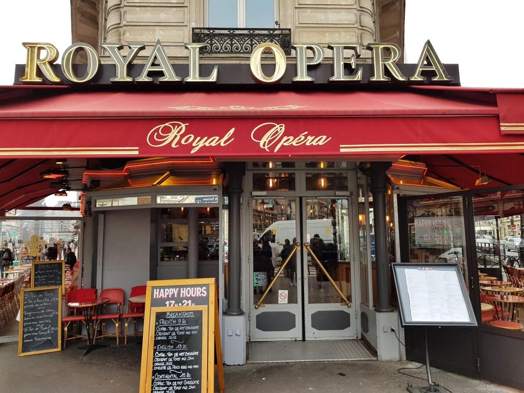 typical_parisian_cafe