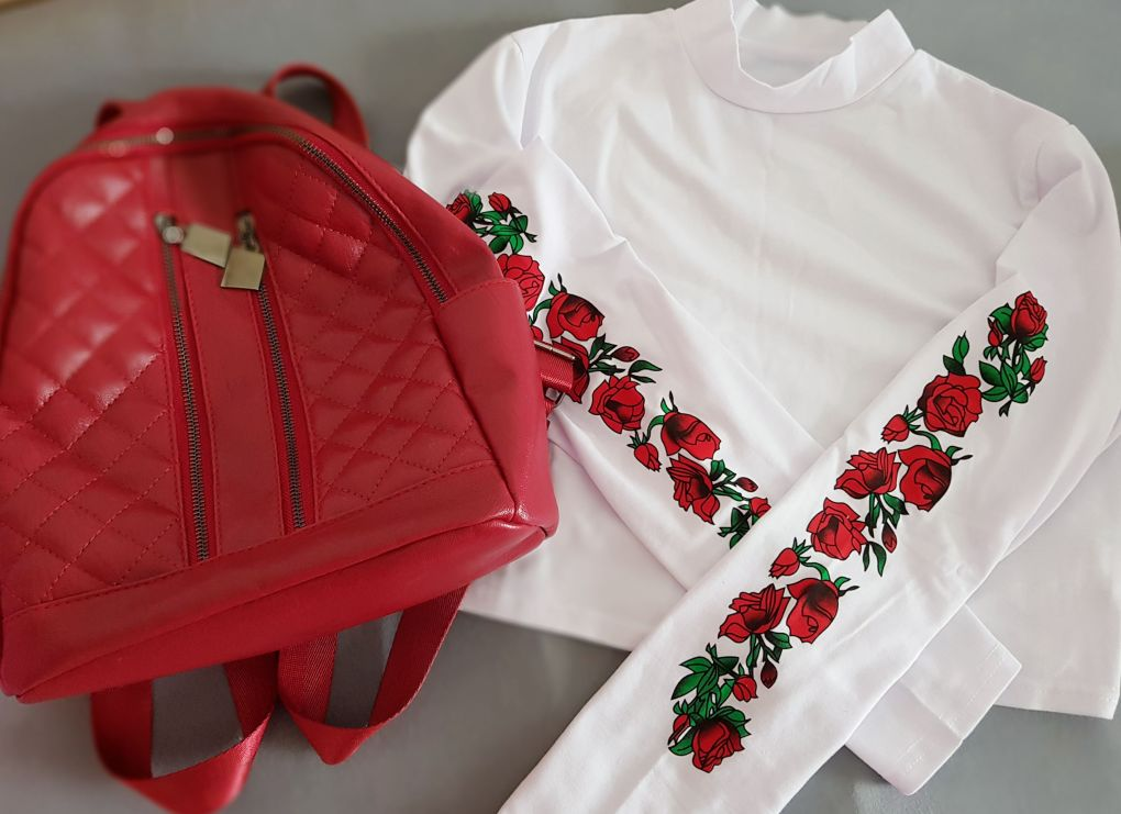 red_and_white_top_red_details_zaful