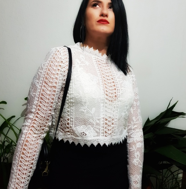 white_lace_top_yoins