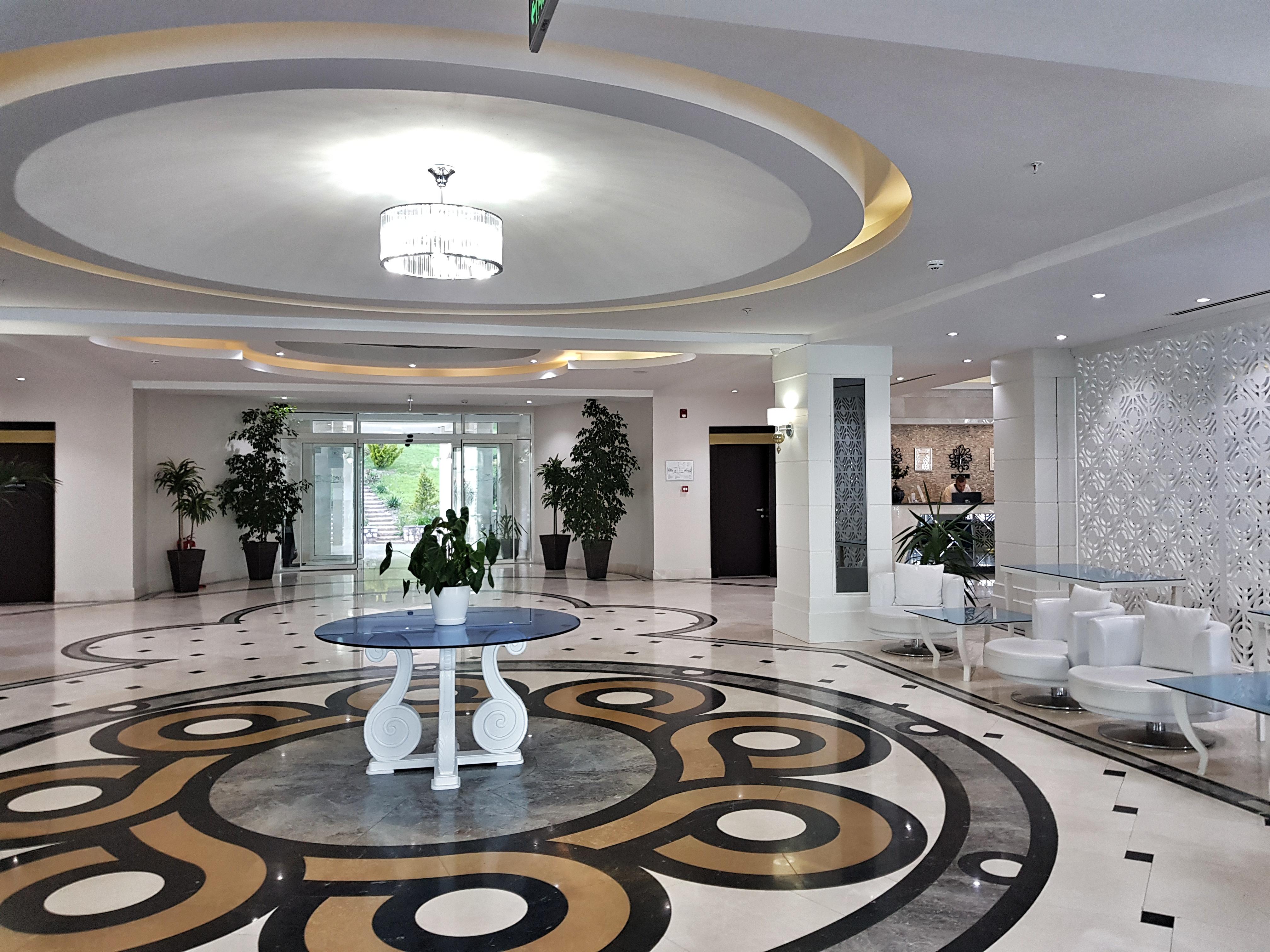 Hotel_izgrev_struga_entrance