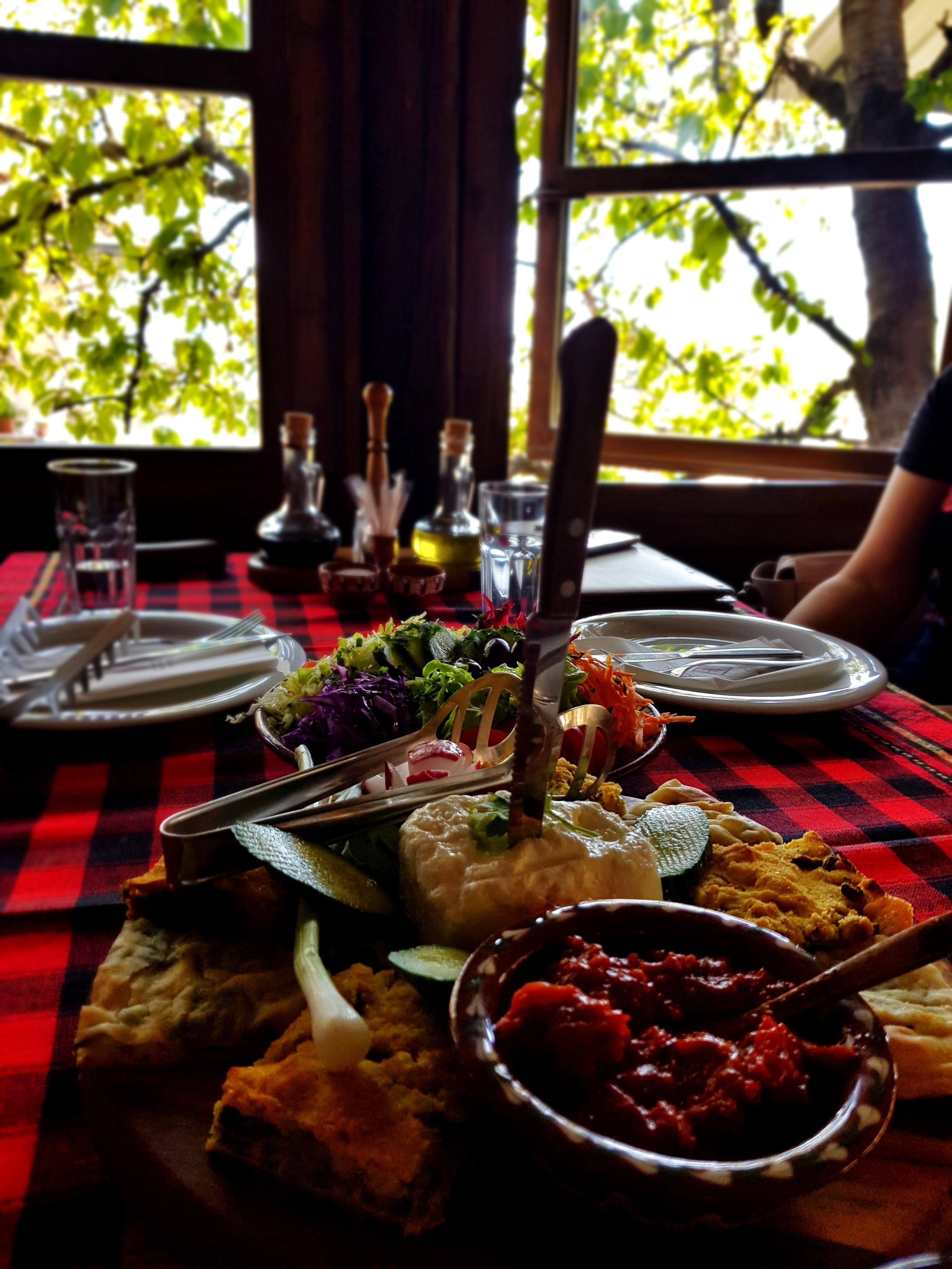 Macedonian_food_restaurant_kutmicevica_vevcani