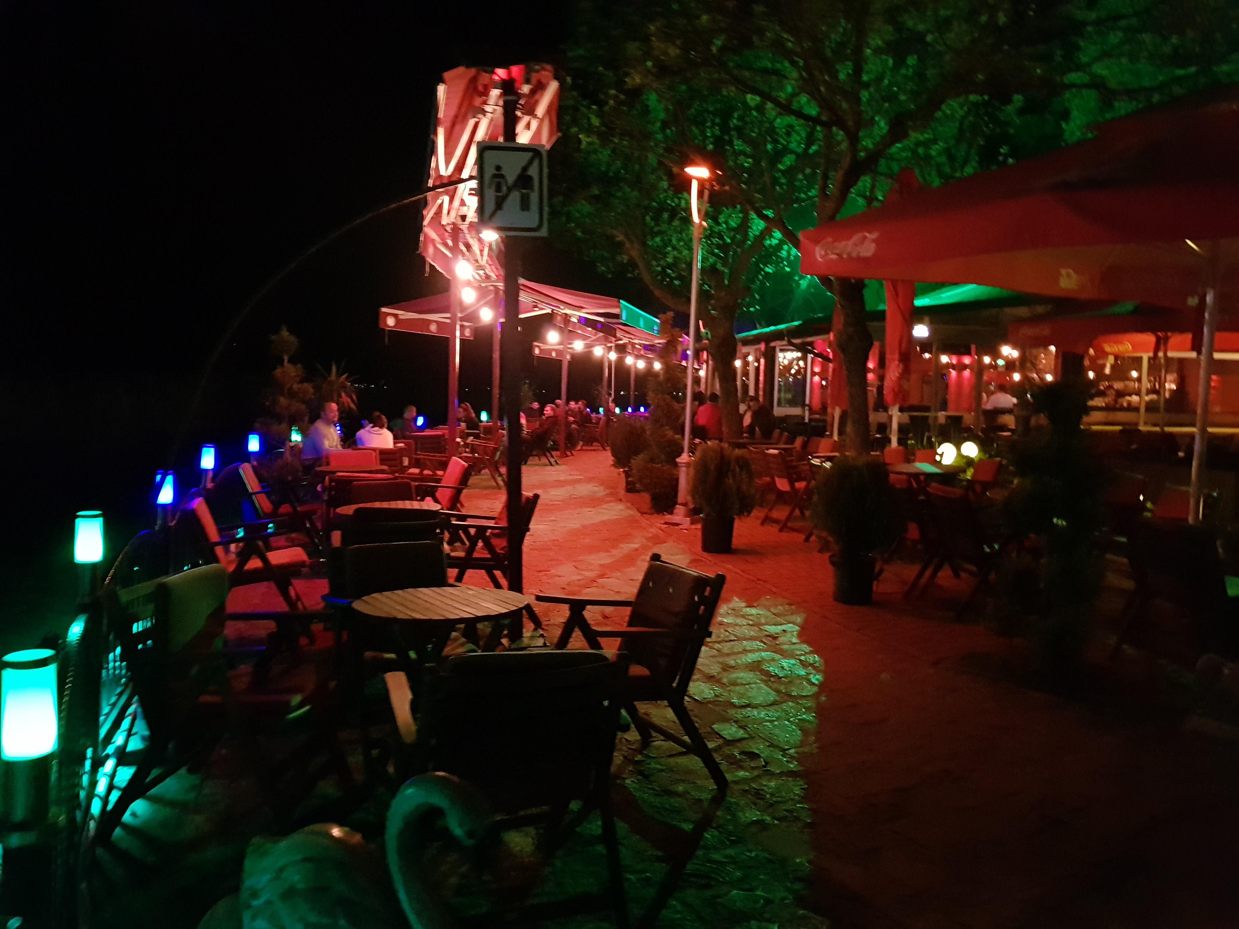 struga_by_night_restaurant