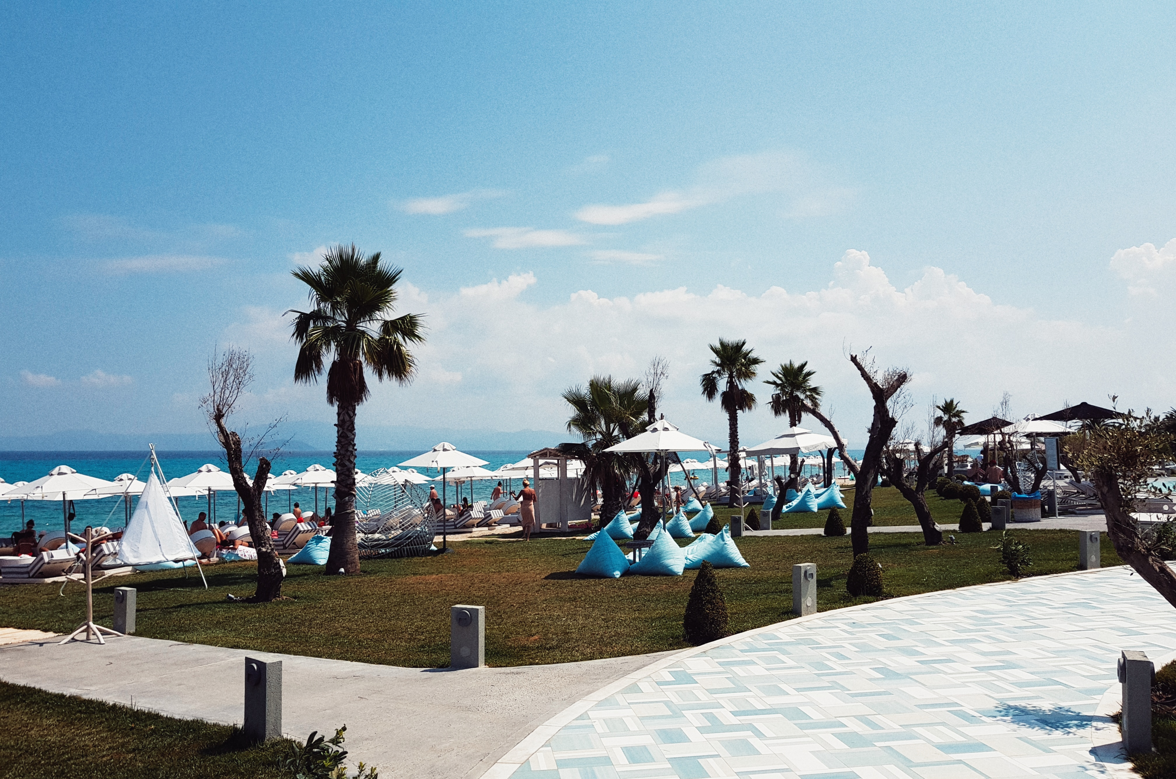 pefkohori_bluecarpet_luxurysuits_hotel