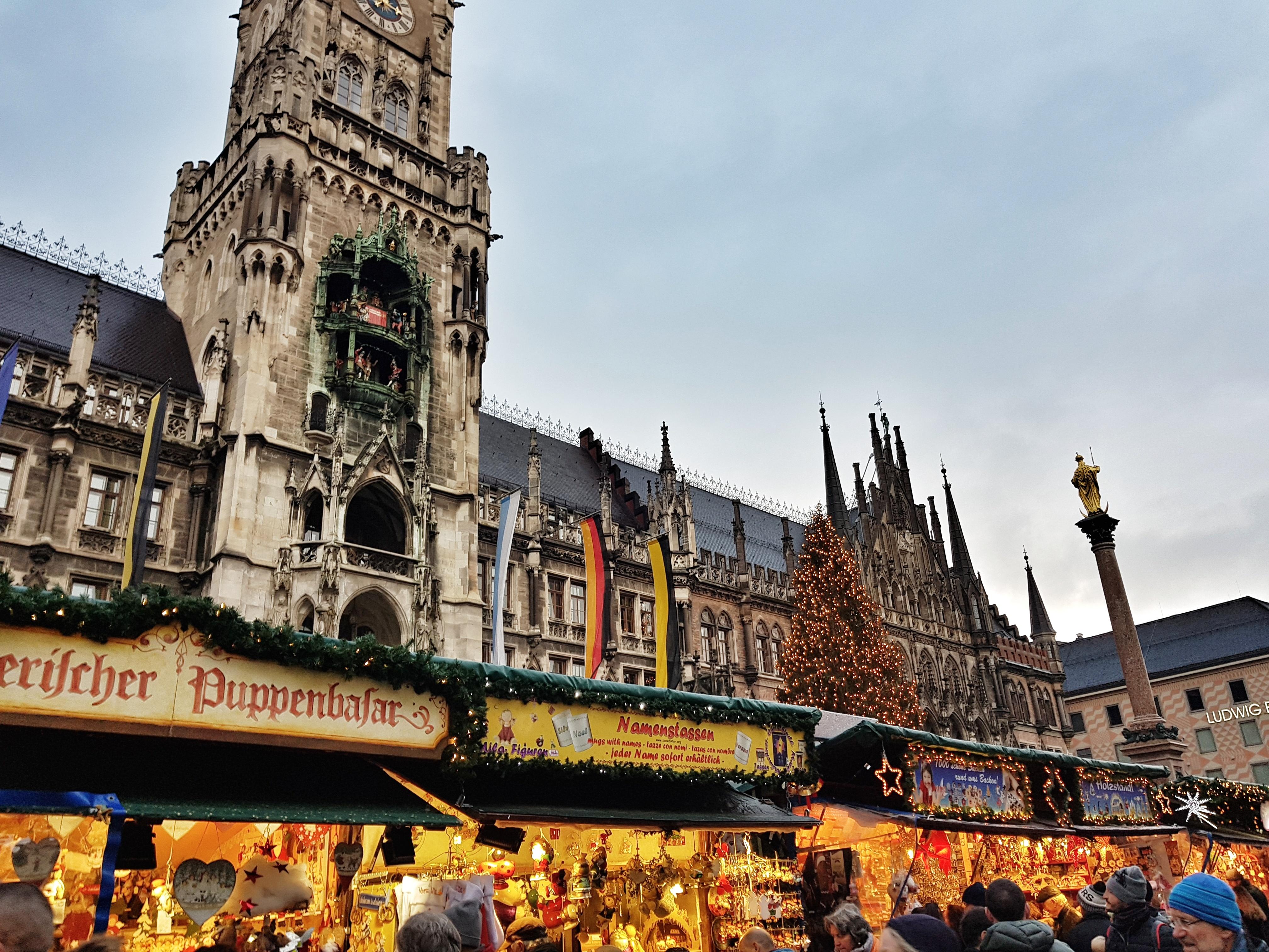 Marienplatz_christmasMarket_rathaus
