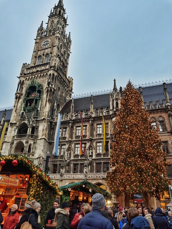 Marienplatz_rathaus_christmastree