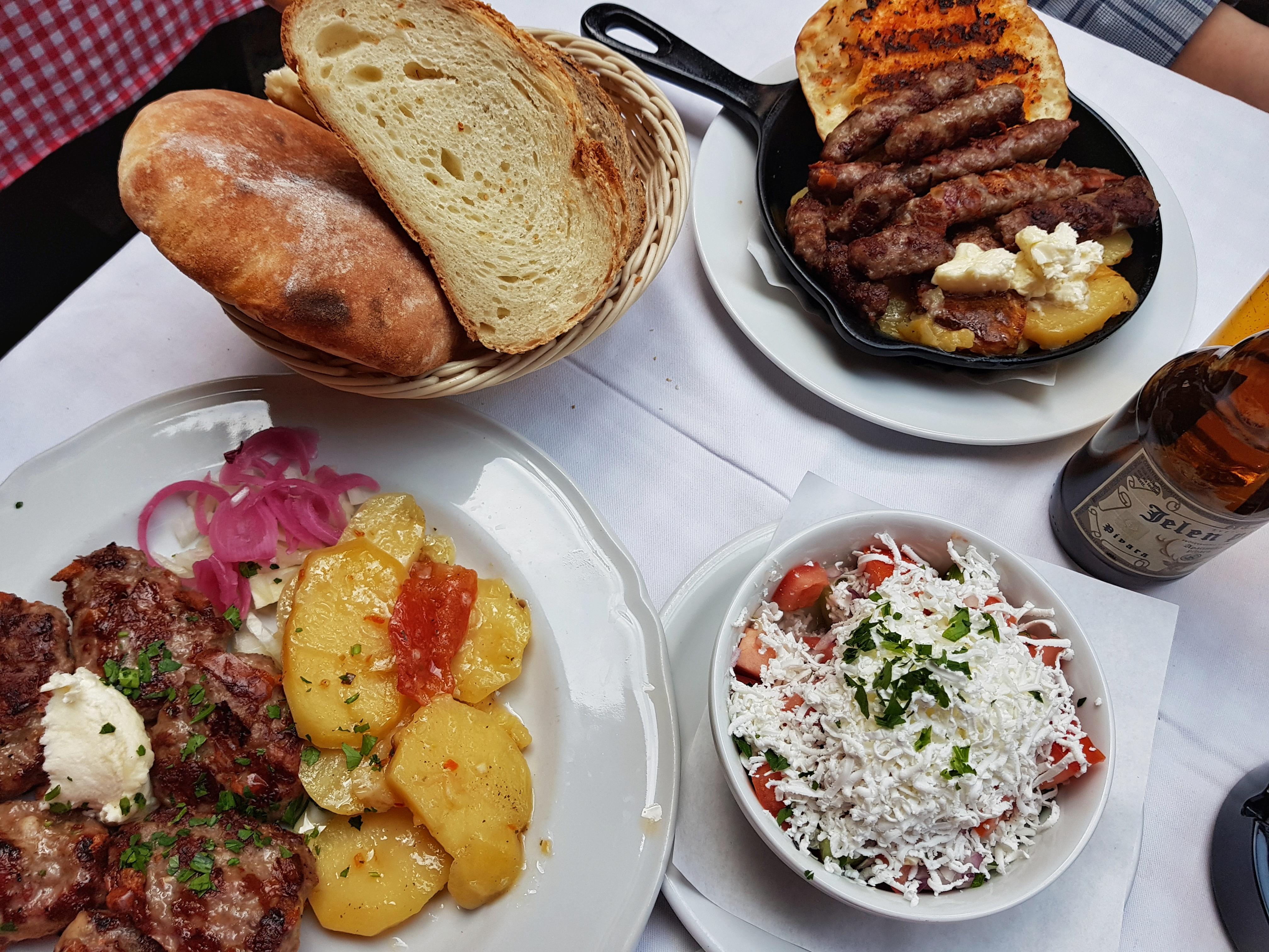 serbian_food_cevapcici_bread_sopskasalata_beograd
