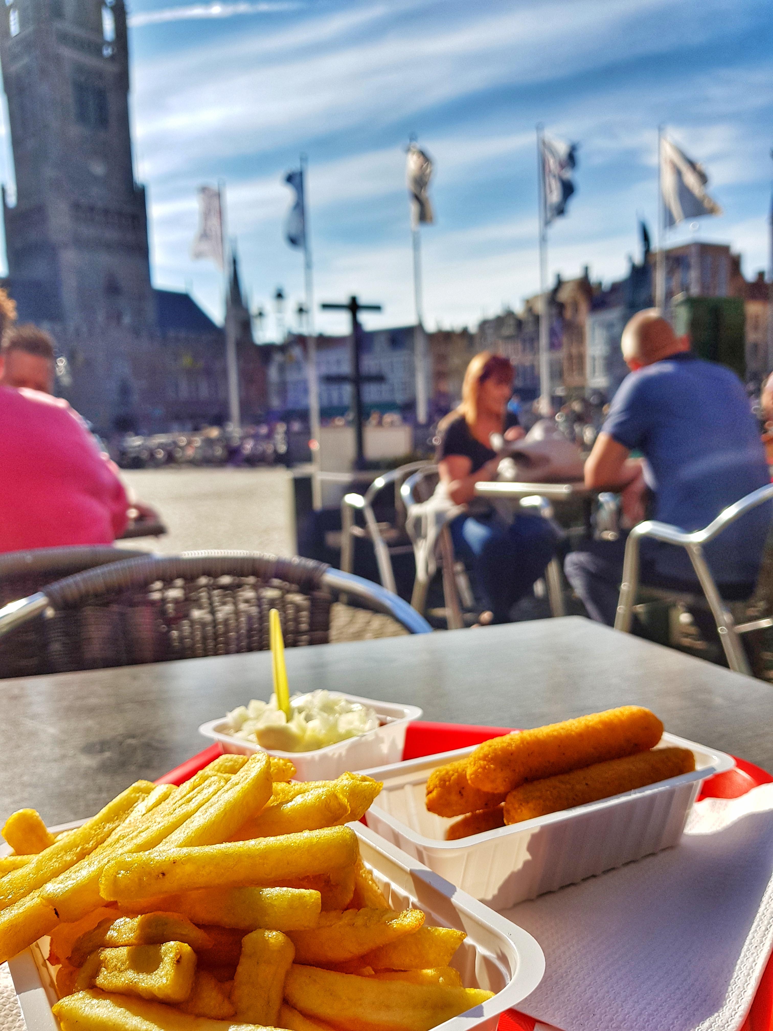BelgiumFries)MarktSquare_Brugge_bruges