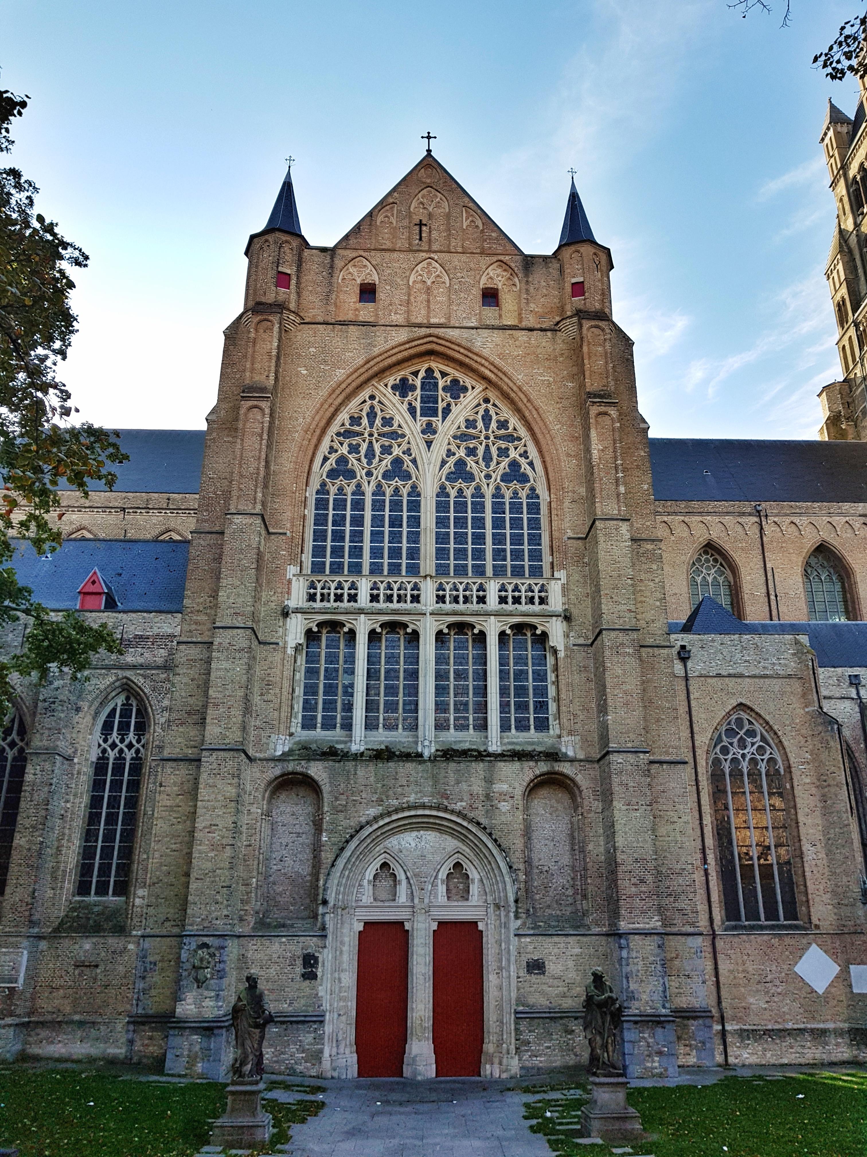 medieval_church_brugge_bruges