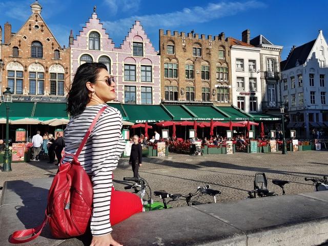 RedZaraPants_marktSquare_Brugge_bruges_belgium